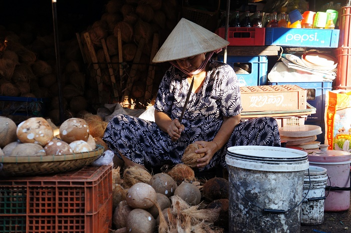 Coconut is sold all year round at Đông Ba Market.