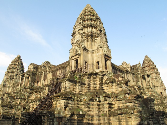lan_hue_angkor_wat_cambodia-3