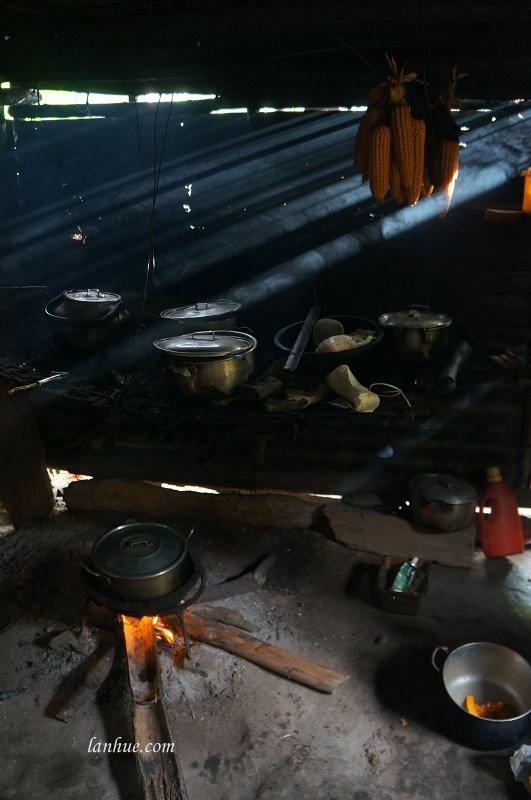 Trong căn bếp của chị Đàm