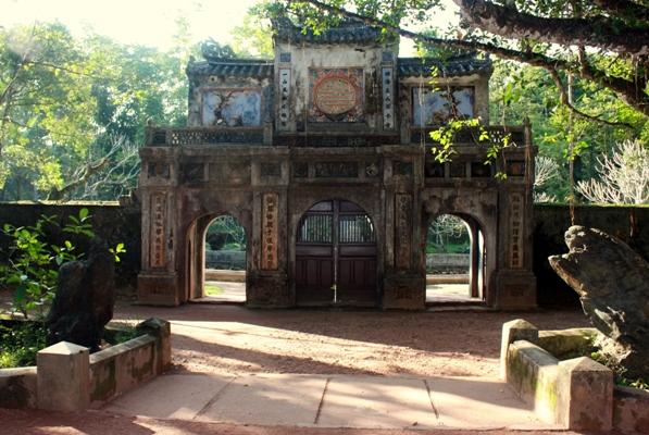 IMG 1377 - Bangunan Sejarah di Hue Vietnam Ini Punya Arsitektur Tak Biasa