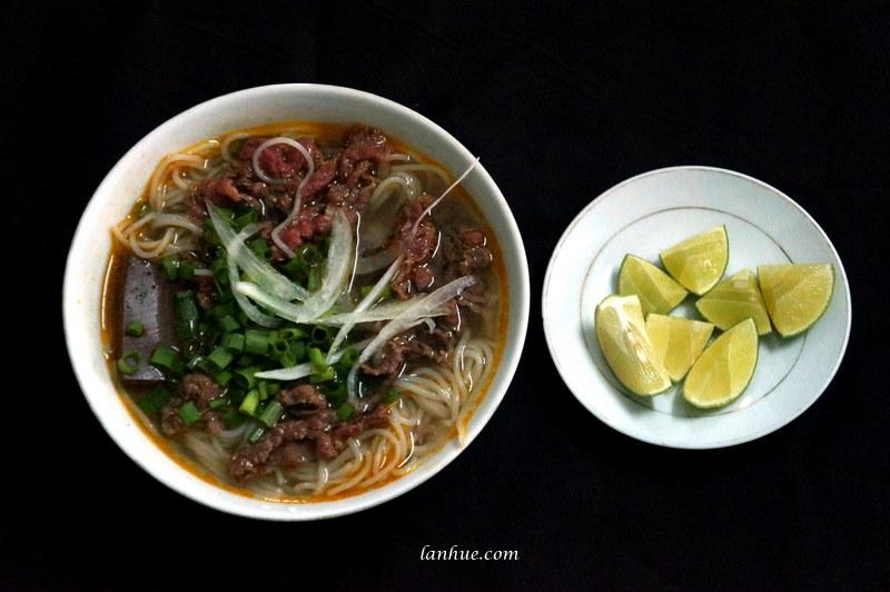 Bún bò Huế noodles