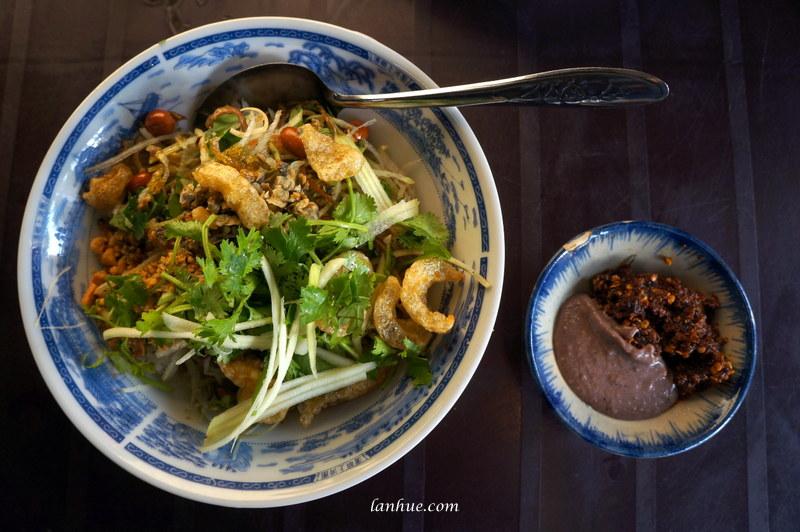 Cơm hến, clam rice