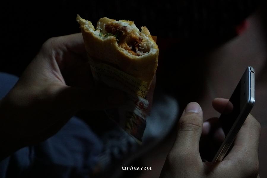 bánh mì Huế