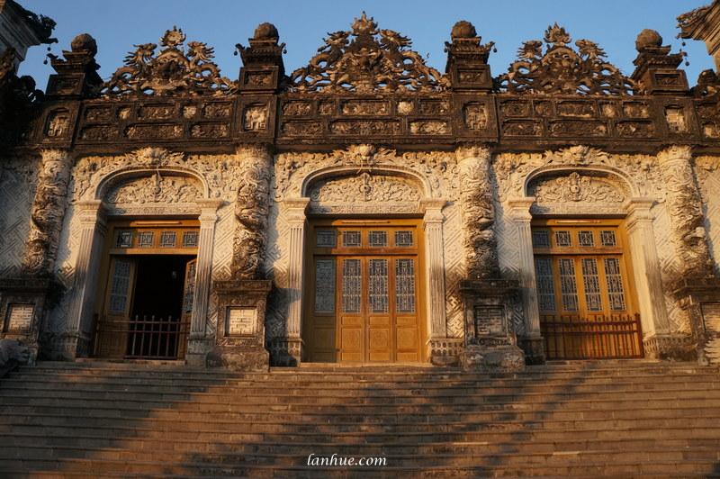 The facade of Thiên Định Palace at Ứng Lăng
