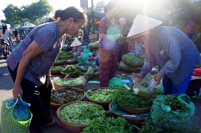 Hue people loves fresh and locally-grown vegetables