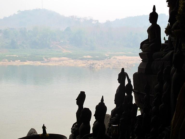 lan-hue-mekong-river-laos-2