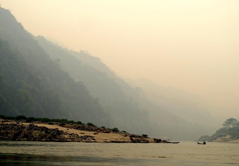 lan-hue-mekong-river-laos-3