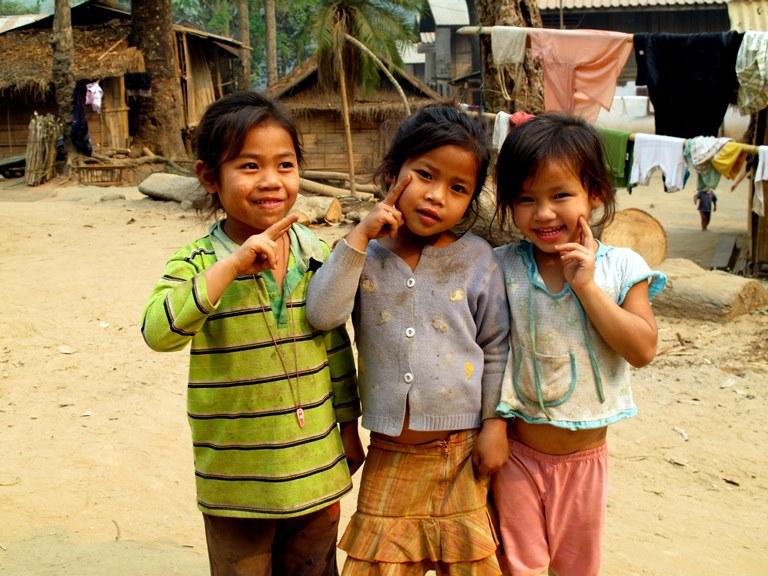 lan-hue-mekong-river-laos-4