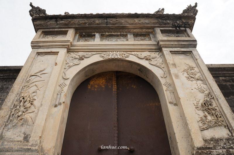 Tư Minh's tomb