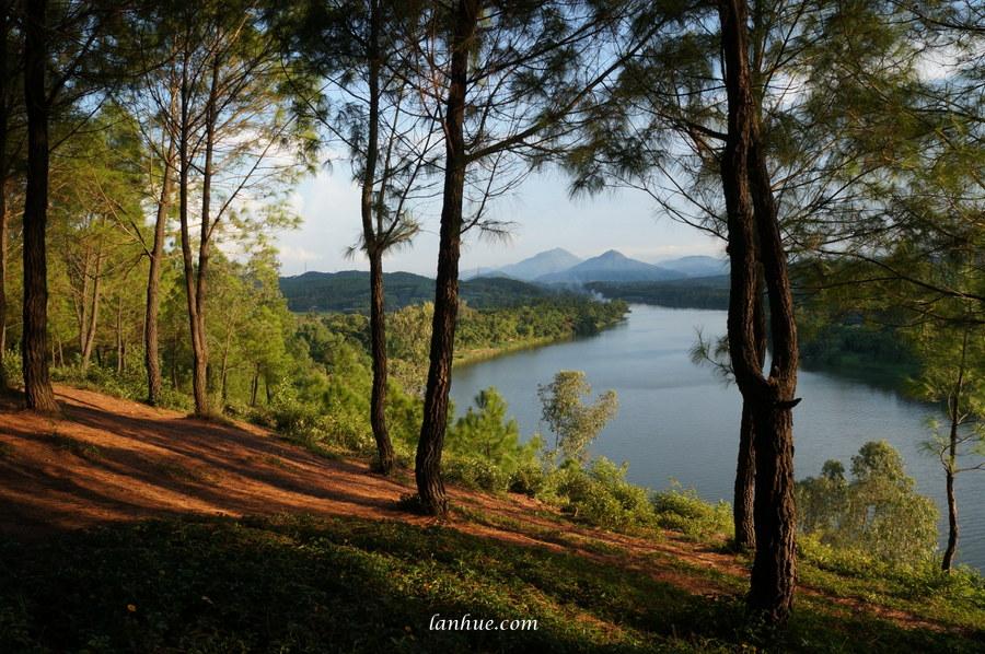 Hương River, Vọng Cảnh Hill