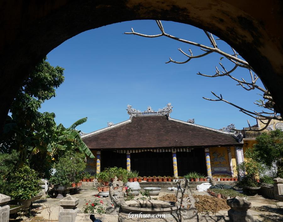 Prince Cương Quận Công's temple