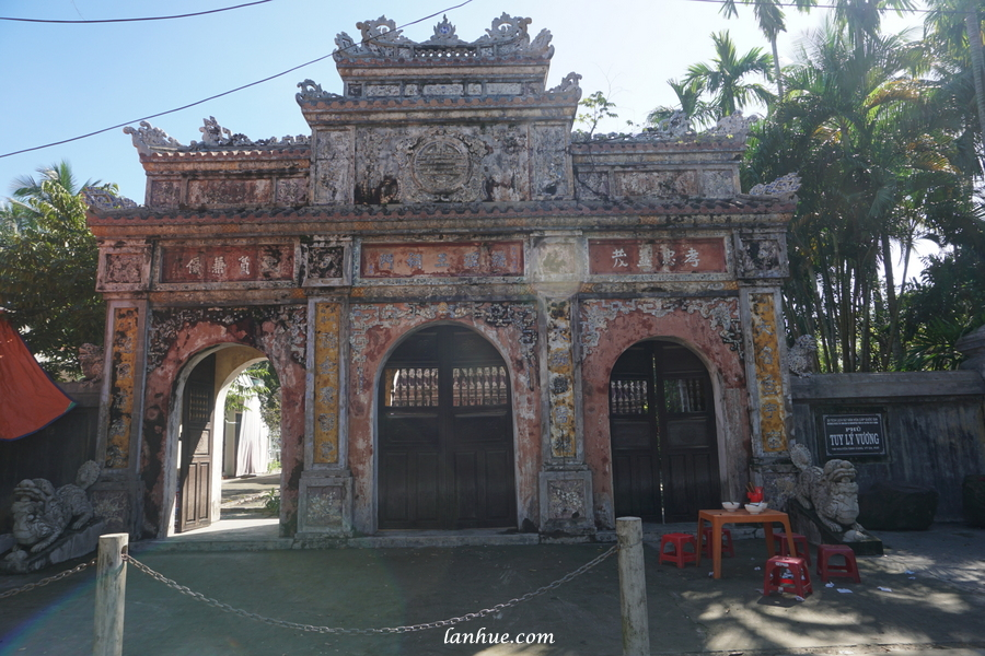 residence of Prince Tuy Lý Vương