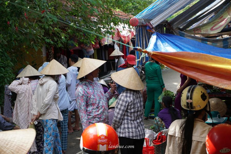 market-goers