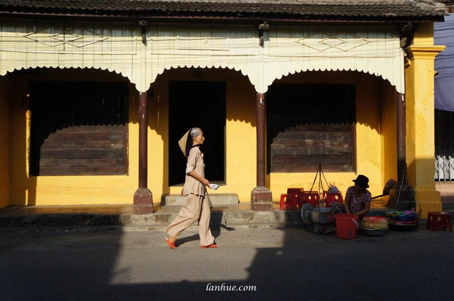 nón lá, Bao Vinh Old Town