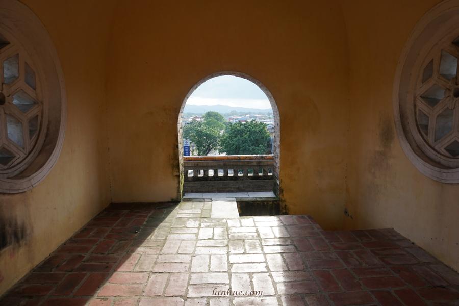 Đông Ba Gate, East Gate