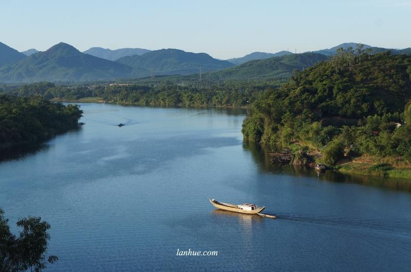 huong river, song huong, hue city