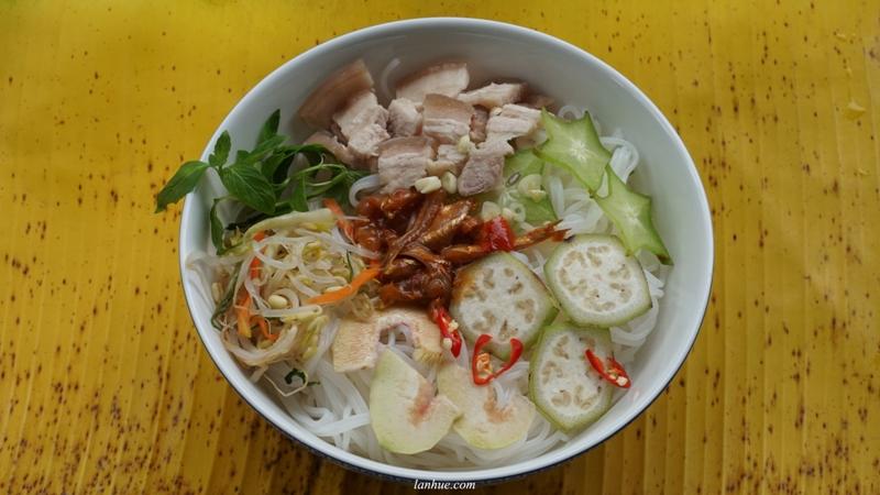 fermented food, dua chua, vietnamese food, hue city, mắm, bún mắm