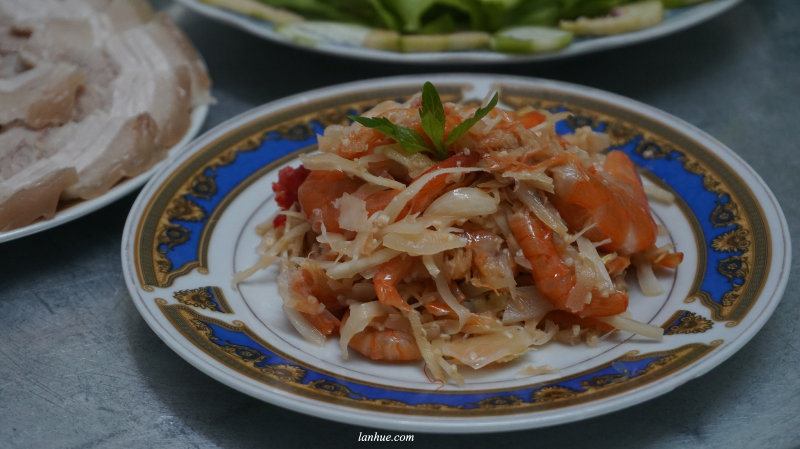 tôm chua, fermented food, Hue City, Vietnamese foo