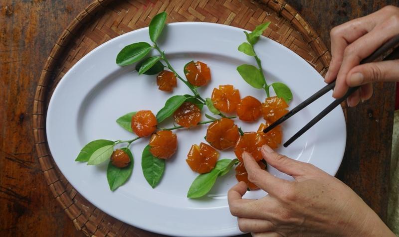 hands of hue, candied kumquát