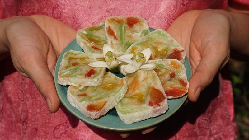 hue food, vietnamese food, hue city, bánh bó